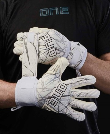 Buy goalkeeper gloves for children white