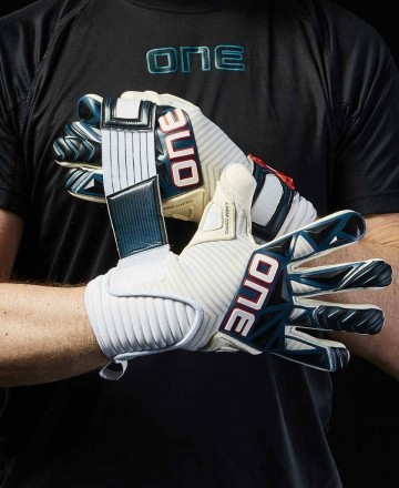 Hybrid cut goalkeeper gloves