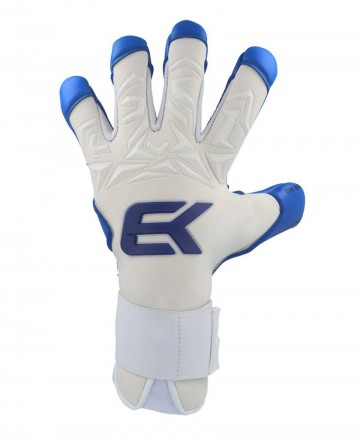 Elite soccer goalkeeper gloves with water palm