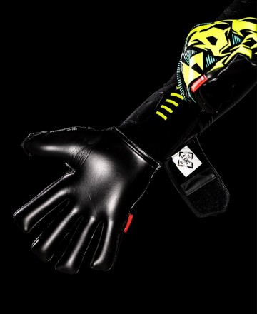 Goalkeeper gloves with black palm negative cut