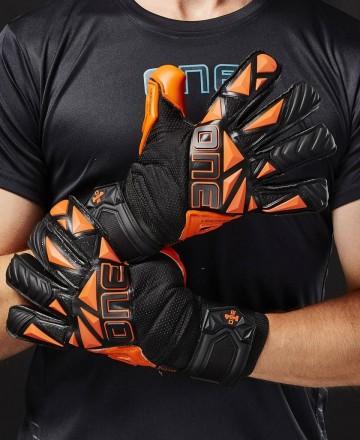 Comprar guantes de portero One Gloves BLAZE
