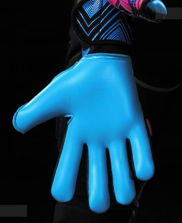 Pink soccer goalkeeper gloves