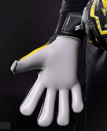 Kaliaaer Goalkeeper Gloves Yellow