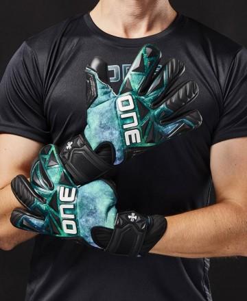 One Gloves Soccer Goalkeeper Gloves