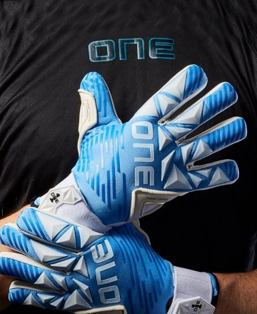Blue kids soccer goalkeeper gloves